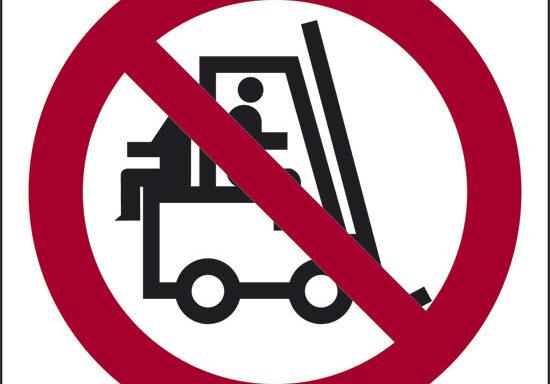 (vietato trasportare persone)