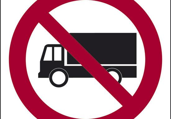 (divieto di circolazione per tutti i mezzi non autorizzati)