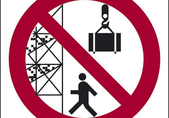 (vietato passare sotto ponteggi, impalcature o carichi sospesi)
