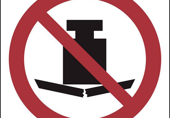 (vietato appoggiare carichi pesanti – no heavy load)