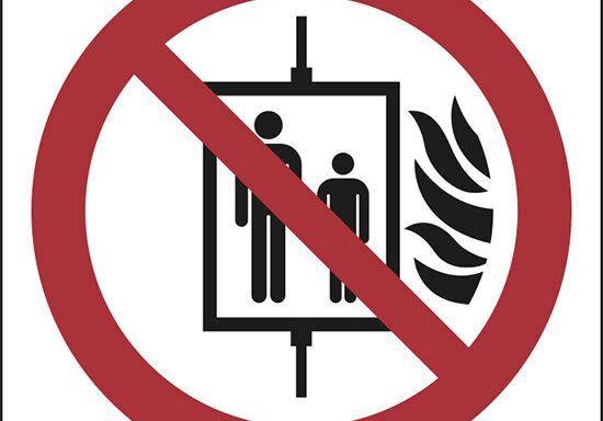 (vietato l'uso dell'ascensore in caso di incendio – do not use lift in the event of fire)