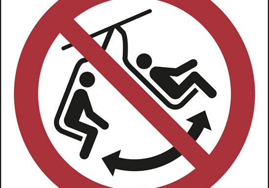 (non dondolare la sedia – do not swing the chair)