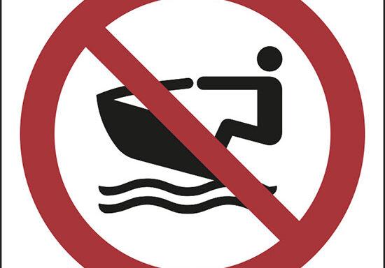 (nessuna imbarcazione privata – no personal water craft)
