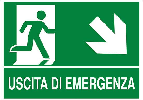 USCITA DI EMERGENZA (scala in basso a destra)