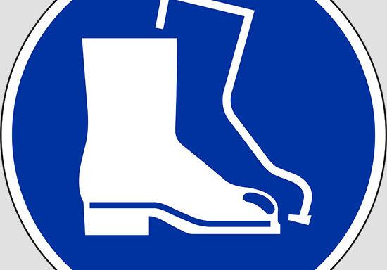 (wear safety footwear)