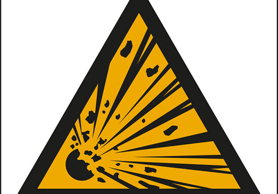 (pericolo materiale esplosivo – warning: explosive material)
