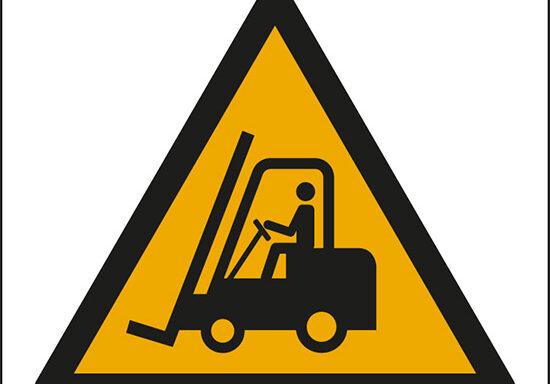 (pericolo carrelli elevatori ed altri veicoli industriali – warning: forklift trucks and other industrial vehicles)