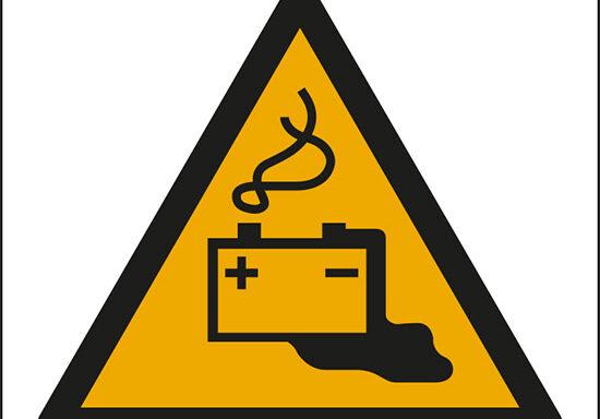 (pericolo batteria in fase di carica – warning: battery charging)