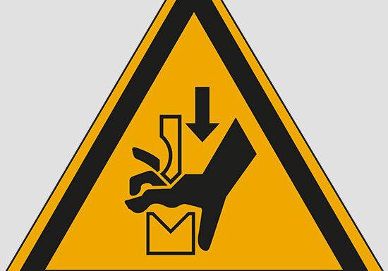 (warning: hand crushing between press brake tool)