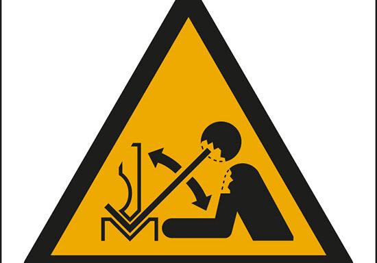 (avvertimento: movimento rapido del pezzo in lavorazione nella pressa – warning; rapid movement of workpiece in press brake)
