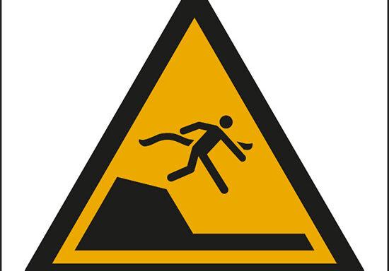 (attenzione; dislivello improvviso in piscina – warning; sudden drop in swimming or leisure pools)